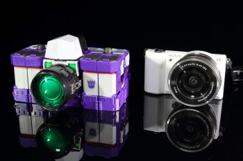 [Maketoys] Produit Tiers - Jouets MTRM-07 Visualizers - aka Reflector/Réflecteur 8BDyvOUj