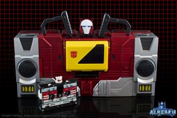 [KFC Toys] Produit Tiers - Jouet Transistor (aka Blaster/Tempo) + DoubleDeck (Twincast) + Fader (aka Eject/Éjecteur) + Rover (aka Autoscout) V0xLNZ1x