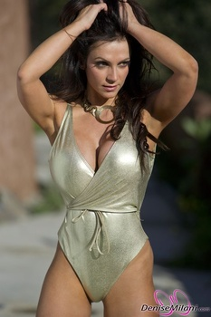Дениз Милани, фото 4886. Denise Milani Gold One-Piece (Low Quality), foto 4886