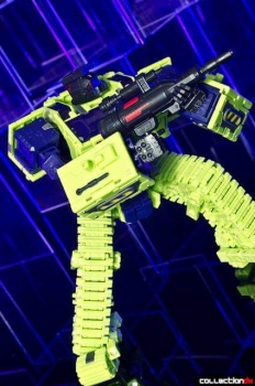[Toyworld] Produit Tiers - Jouet TW-C Constructor aka Devastator/Dévastateur (Version vert G1 et jaune G2) - Page 4 DpUHh4BS